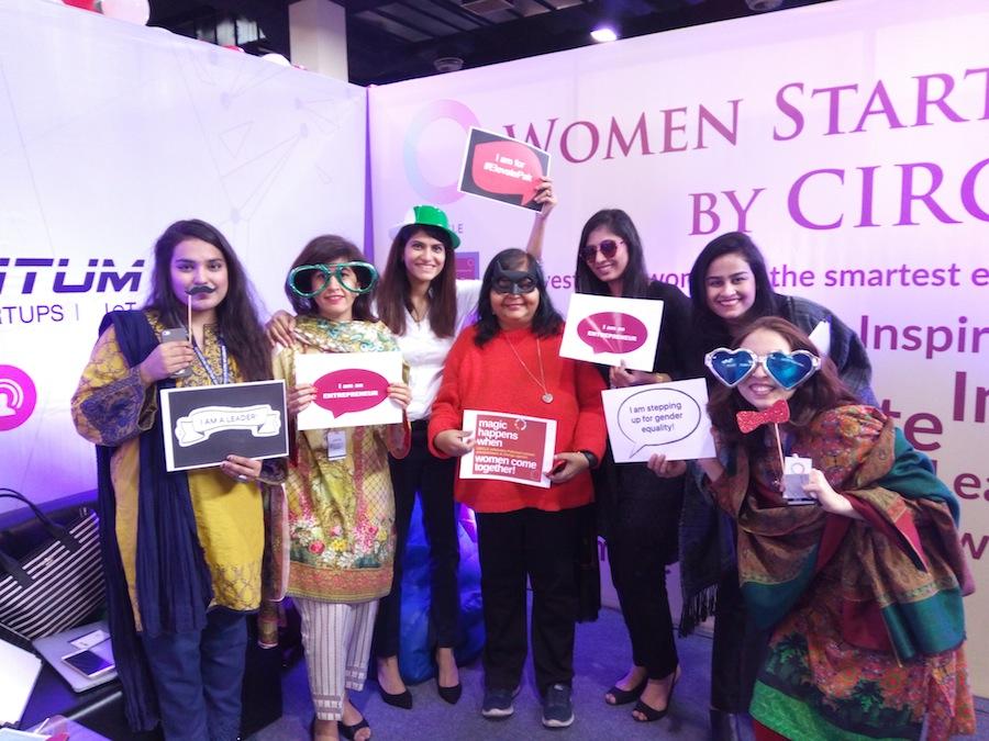 circle-pakistan-women